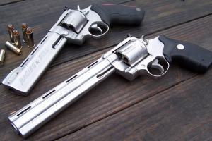 taurus anaconda revolver colt gun