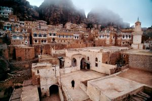 tawilah town old building cityscape yemen