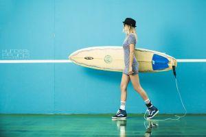 wall women blonde model hundertpfund sneakers hat surfing dress women with glasses