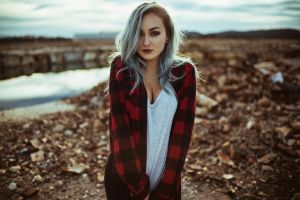women aaron woodall plaid shirt pants depth of field kari (model) plaid cleavage dyed hair model blonde tugging clothes portrait women outdoors
