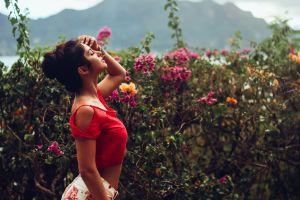 women aurela skandaj women outdoors model