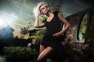women blonde model