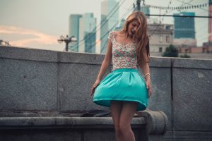 women blonde skirt