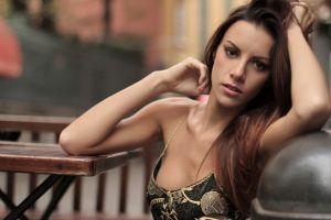 women brunette cleavage armpits