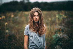 women face t-shirt women outdoors portrait