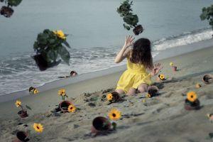 women model sea flowers