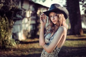women standing women outdoors portrait blue eyes millinery model face blonde looking at viewer brunette