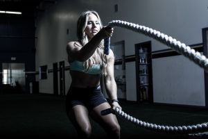 working out fitness model ropes